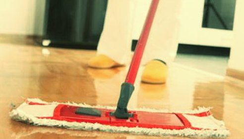 How to clean the skirting boards properly